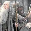 an McKellen y Luke Evans, en un fotograma de la nueva y última entrega de la saga 'El Hobbit'.