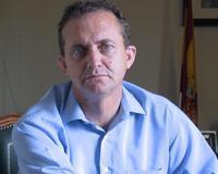 Javier Checa (d) y el alcalde popular de Torremolinos (i), Pedro Fernández Montes, durante la inauguración de Expogay 2011, que contó con Isabel Pantoja ... - checa
