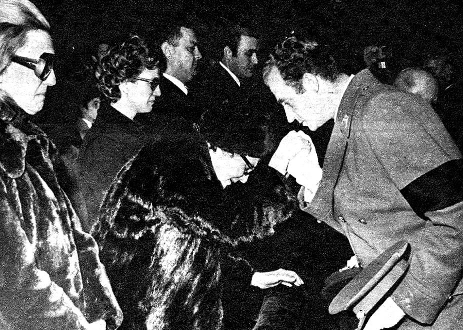REVISTA EUZKADI DEL PNV - PARTIDO NACIONALISTA VASCO: Nº 8 / 23-1-1977