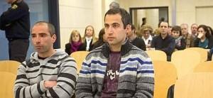 Los etarras Oscar Zelarain (i) y Andoni Otegi, en la Audiencia Nacional, donde se les juzga por el atentado contra el cuartel de la Guardia Civil en Santa Pola.