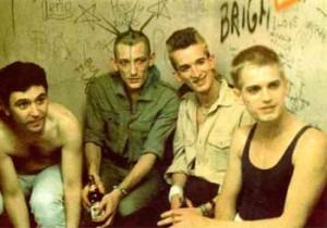 La formación más conocida y duradera de Radio Futura, con Enrique Sierra (segundo por la izquierda).