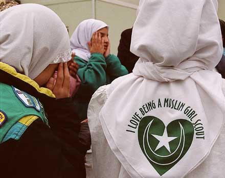 En la imagen, tres 'scouts' musulmanas en Estados Unidos.