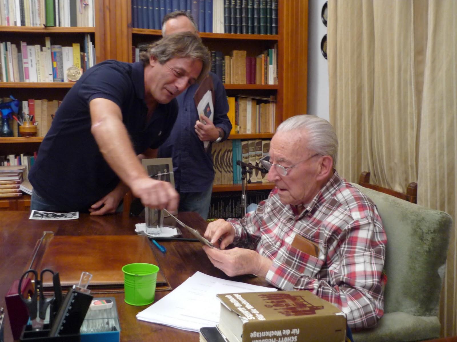 A sus 93 años, Blas Piñar mantiene una frenética actividad diaria.
