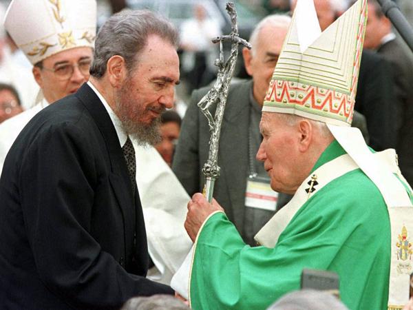 Fidel Castro y Juan Pablo II.