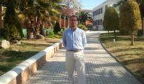 El candidato de AES pasea por Alcaudete (Jaén), su patria chica.