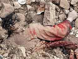 Cuerpo sin vida de una mujer lapidada en Irán.