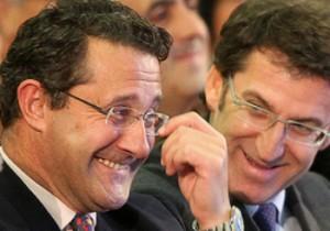 El dimisionario Conde Roa y el presidente gallego, Nuñez Feijoo.