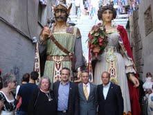 Moisés Font, en la imagen junto a Josep Anglada, siempre fue un firme defensor de las tradiciones autóctonas catalanas.