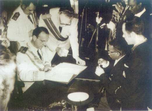 El 12 de octubre de1968 se proclamó la independencia de Guinea Ecuatorial. El entonces ministro Manuel Fraga acudió en representación española.