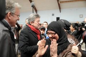 """Melenchon, aclamado por electores de la """"nueva Francia""""."""