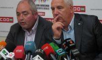 El secretario general de UGT-A, Manuel Pastrana (izquierda), y su homólogo del CCOO, Francisco Carbonero (derecha).