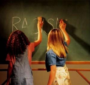 La campaña de adoctrinamiento para el reemplazamiento étnico de los europeos empieza en los colegios.