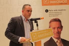 Robert Hernando interviniendo en un acto electoral de PxC.