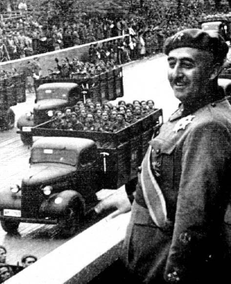 Franco, el día de la Victoria frente al comunismo.