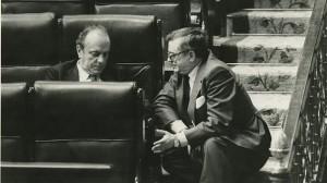 José María Ruiz Gallardón y Manuel Fraga, en el Congreso de los diputados.