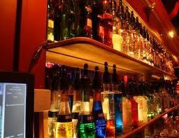 Un bar gay prohíbe que las parejas heterosexuales se besen