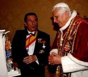 Francisco Vázquez, junto al Papa Benedicto XVI.
