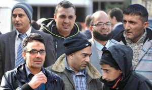 La pandemia se extiende por Europa. Grupo de pakistaníes juzgados en Inglaterra por violadores.
