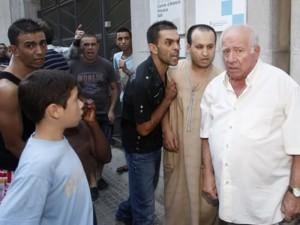 Un grupo de musulmanes acosa a un simpatizante de PxC en Salt.