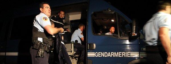 Control policial en Collobrières tras el asesinato de las dos gendarmes.