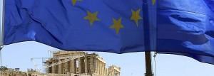 La bandera de la UE ondea frente al Partenón.