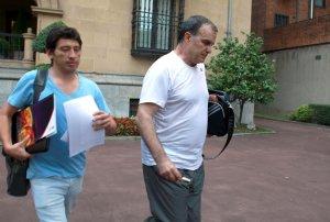 Bielsa abandona ayer la sede del club junto a un ayudante.