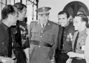 En el centro, el Capitán General Muñoz-Grandes.