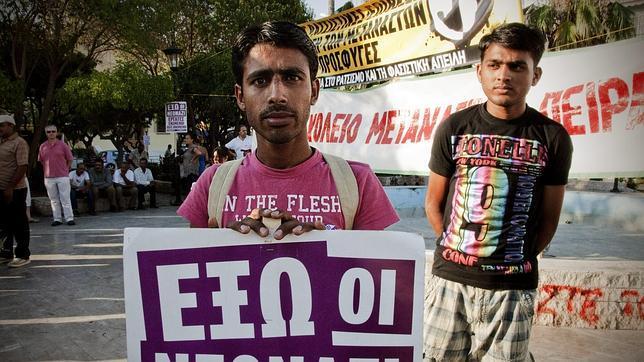 Manifestación contra AD en las calles de Nikea.