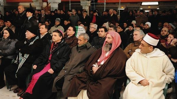 El obispo Lebrun, durante la inauguración de la mezquita.
