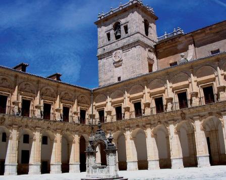 Monasterio de Uclés, la casa madre de la Orden de Santiago.