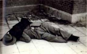 El cuerpo sin vida del jefe de la oposición derechista, José Calvo Sotelo, asesinado por el Gobierno del Frente Popular.