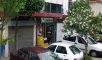 El supermercado Coviran que fue asaltado esta madrugada en el barrio de Torreblanca de Sevilla