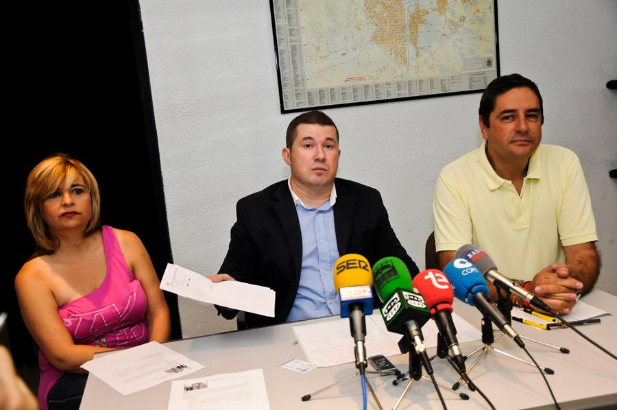 Emilio Argüeso, en el centro.
