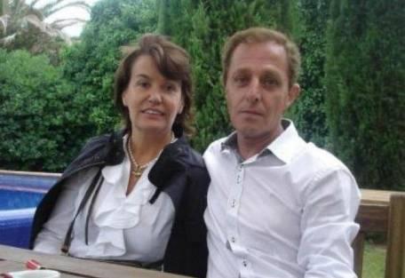 La mujer belga Ingrid Sartiau y el catalán Albert Solà Jiménez se conocieron hace poco tiempo, luego de un largo tiempo de investigaciones paralelas sobre sus orígenes