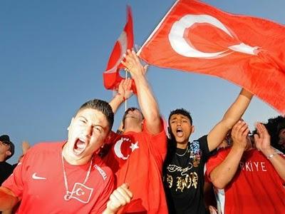 M s de la mitad de los turcos en alemania consideran la - Como son los banos turcos ...