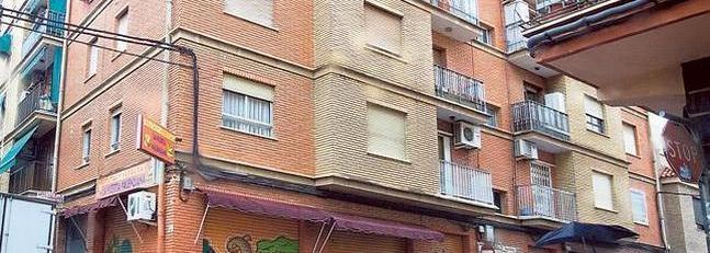 Edificio de la calle del Maestro Fernando Martín donde ocurrieron los hechos.
