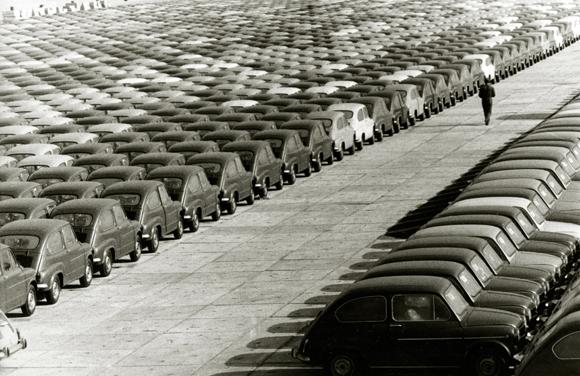 Años 60: Fábrica de Seat, el coche convertido en todo un símbolo del desarrollo económico de España y de su nueva clase media.