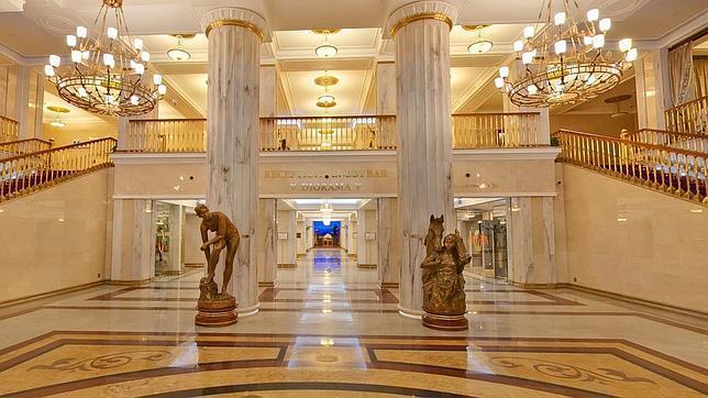 El hotel de lujo Radisson Royal de Moscú en el que se alojó Artur Mas.