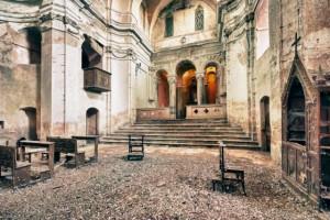 Una de las muchas iglesias abandonadas en Europa.