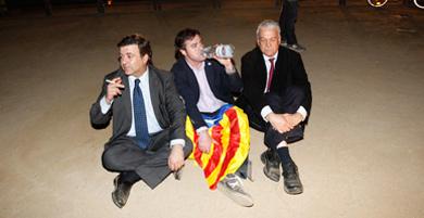 López Tena, Uriel Bertran y Toni Strubell, como SI, por los suelos.