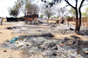 Un grupo abrió fuego y mató al sacerdote y a cinco fieles, y luego prendió fuego al templo