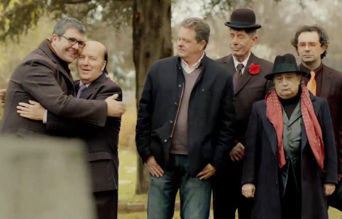 Algunos de los humoristas participantes en el anuncio.