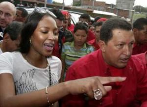 Hugo Chávez y Naomi Campbell.