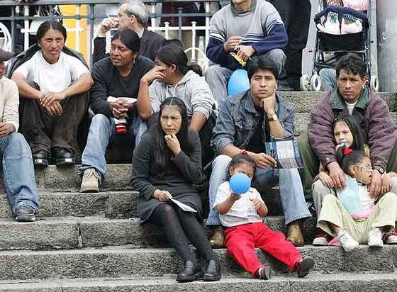 Imagen de un grupo de inmigrantes sudamericanos en Bilbao.