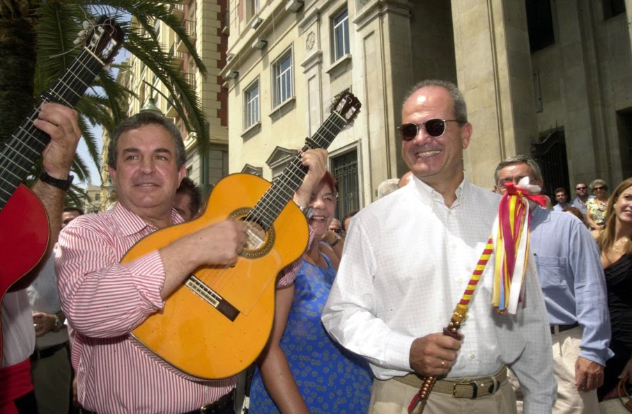 El ex presidente de la Diputación, Salvador Pendón, en la feria de Málaga. A su lado, Manuel Chaves.