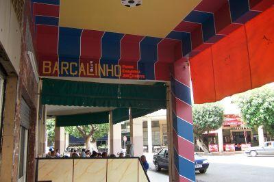 Un cafetín en Marruecos pintado con los colores del Barça