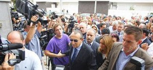 Carlos Fabra entrando a los juzgados de Nules en 2010.