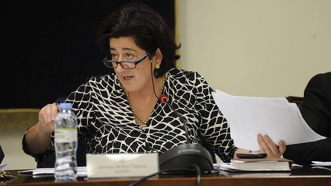 La alcaldesa de Manilva, Antonia Muñoz, en un Pleno del Ayuntamiento en diciembre pasado