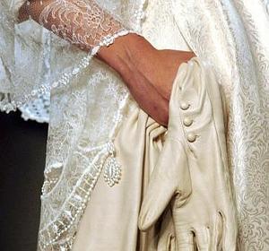 Las parejas cada vez se casan menos, más tarde y por lo civil .