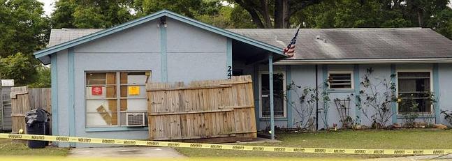Imagen de la vivienda donde se ha producido el socavón.